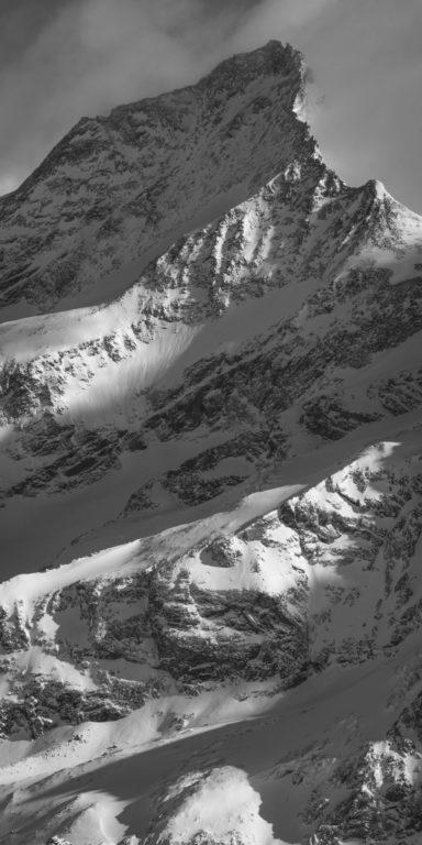 Zinalrothorn voie normale - Sommet de montagne en noir et blanc - Image montagne des Alpes Suisses