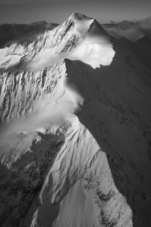 tableau photo montagne d'Aletschhorn dans les alpes bernoises - Vertical montagne