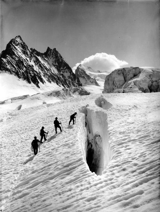 Vittorio Sella, Glacier Blanc, Barre des Écrins, Centro di Documentazione del Museo Nazionale della Montagna, Torino.