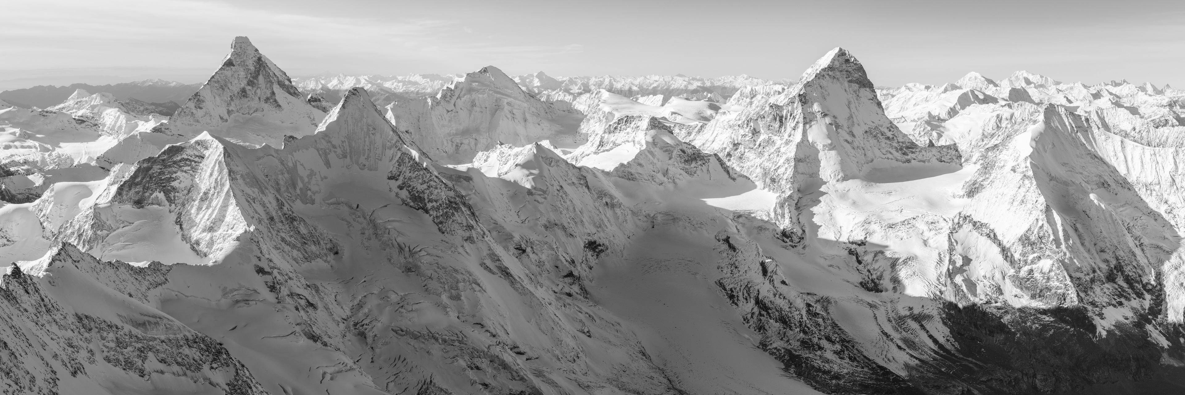 Chamonix Zermatt panorama - Photo panoramique du Cervin au Mont Blanc - Vue panoramique sur les aples valaisanne avec le massif du Mont Blanc- Photo des sommets du Valais