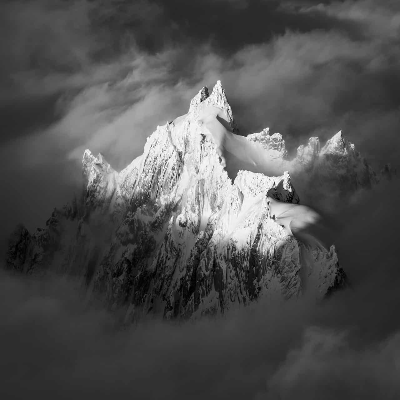 Photo montagne Chamonix noir et blanc - Photographie de l'Aiguille du Plan - Aiguille de Chamonix - Alpes
