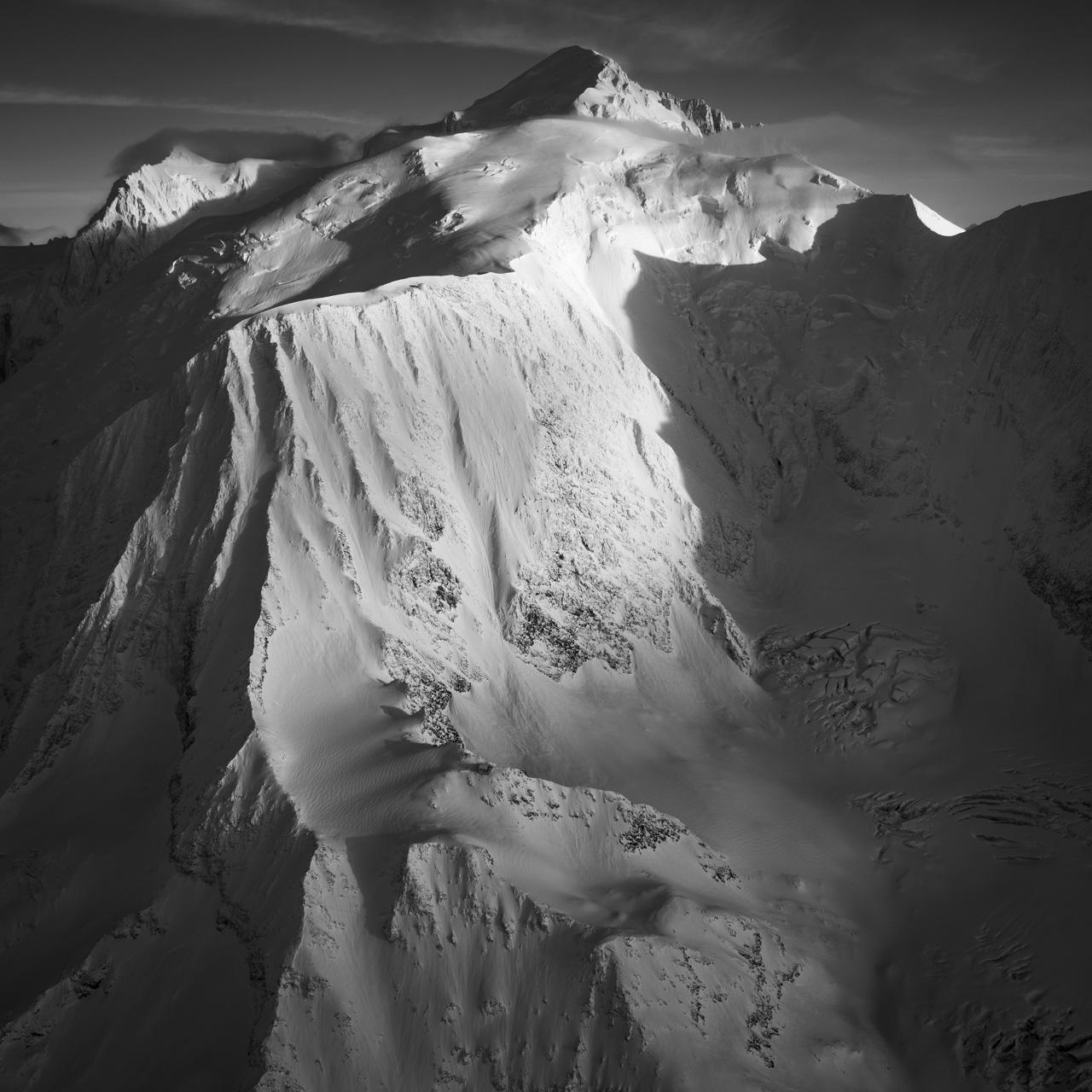Photo du Mont-Blanc - Voie normal du Mont-Blanc par le Goûter - Refuge de Tête Rousse - Couloir du Goûter - Refuge du Goûter - Dome du Goûter - Vue aérienne du Mont-Blanc